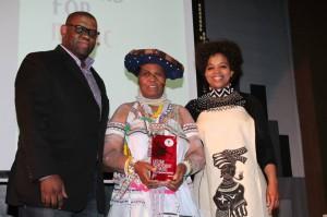 Sipho Dlamini (SAMRO CEO), Madosini (Winner) and Thandi Swaartbooi (ACT Trustee)